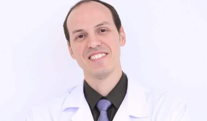 Dr. Márcio Silveira - ortopedista especialista em joelho, trauma esportivo e idoso